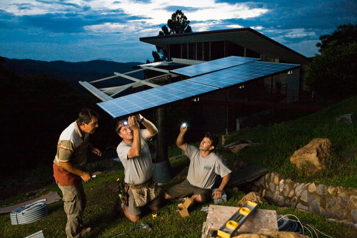 Mounting of pv panels during blackout at night, Ciudad Colon/Costa Rica